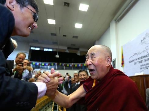 دالایی لاما رهبر بوداییان تبت در حال