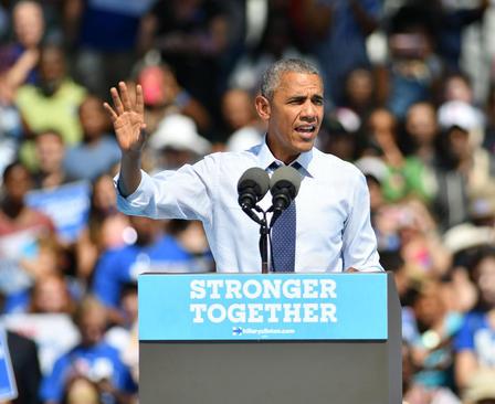 سخنرانی باراک اوباما رییس جمهور آمریکا در کمپین انتخاباتی هیلاری کلینتون بیمار در شهر فیلادلفیا ایالت پنسیلوانیا