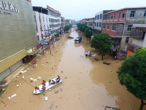 سیل در شهر گوآنژو چین