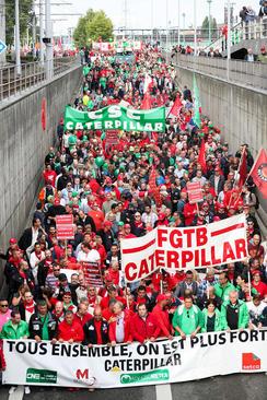 تظاهرات در همبستگی با کارگران تعدیل شده برند معروف
