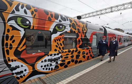 نقاشی قطارهای سفرهای بین شهری در مسکو