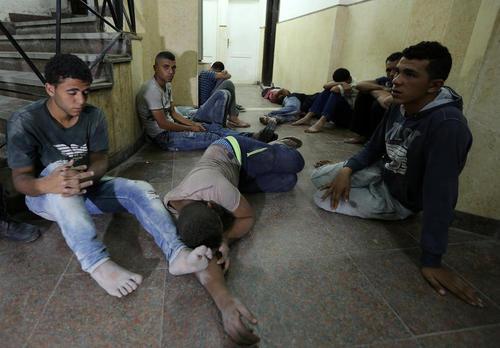 پناهجویان نجات یافته از قایق در دریای مدیترانه – مصر