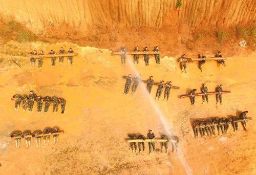 تمرینات آمادگی بدنی نیروهای پلیس نظامی چین – نانینگ