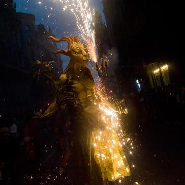 آتش بازی شبانه در جریان جشنواره