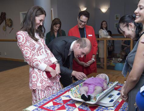 بازدید زوج سلطنتی انگلیس از یک مرکز باروری در ونکوور کانادا