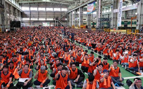 اعتصاب کارکنان چند ایستگاه مترو در شهر سئول