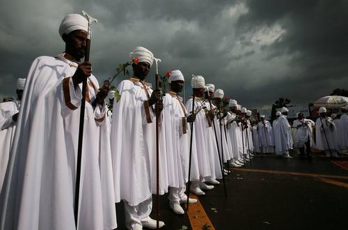 آیین گرامی داشت کشف صلیبی که مسیحیان اتیوپی معتقدند حضرت عیسی روی آن مصلوب شده است- آدیس آبابا