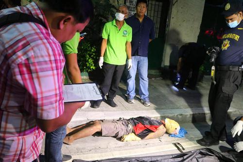 صحنه قتل یک مظنون به قاچاق مواد مخدر در شهر مانیل فیلیپین