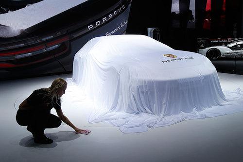 نمایشگاه خودروهای لوکس در پاریس