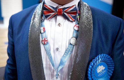 یک شرکت کننده در کنفرانس سراسری سالانه حزب محافظه کار بریتانیا – بیرمنگام