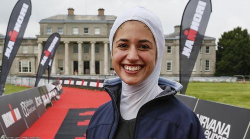 زن با حجاب دختر با حجاب دختر ایرانی حجاب اسلامی بیوگرافی شیرین گرامی ایرانیان در خارج ایرانیان در اروپا Shirin Gerami