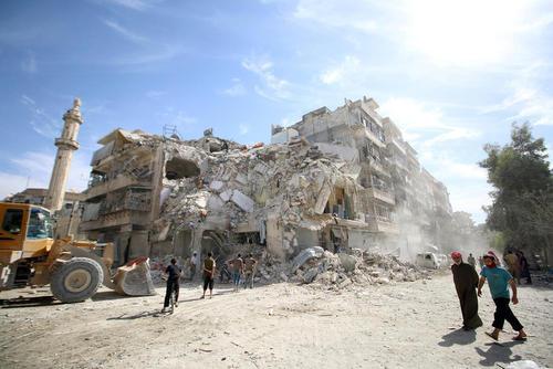 ادامه حملات هوایی به مناطق شرقی شهر حلب سوریه
