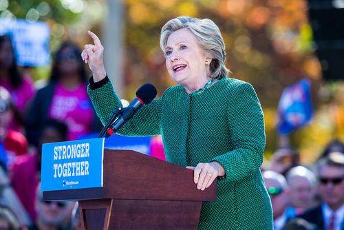 سخنرانی انتخاباتی هیلاری کلینتون در دانشگاهی در ایالت کارولینای شمالی