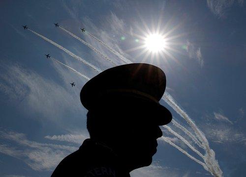 نمایش هوایی در روز نیروهای مسلح در پایگاه هوایی