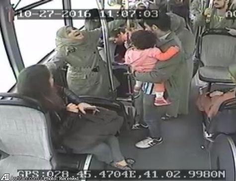 تصاویر دوربین مدار بسته اتوبوس از حادثه