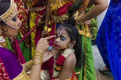 جشنواره سنتی دیوالی در شهرهای کوالالامپور مالزی و داکا بنگلادش