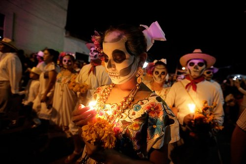 راهپیمایی شبانه در جشنواره مرگ در شهر مادرید