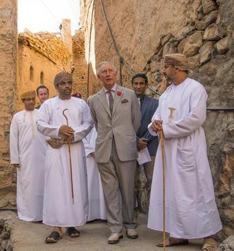 بازدید ولیعهد بریتانیا از یک روستای تاریخی در عمان