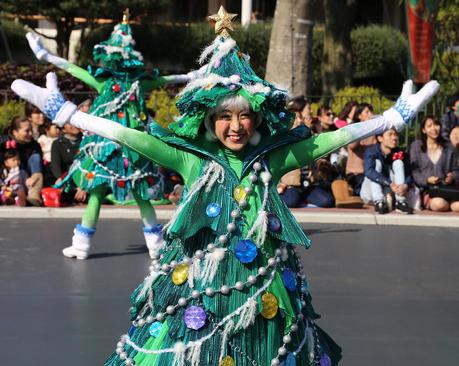 آغاز جشن های استقبال از کریسمس در دیزنی لند توکیو
