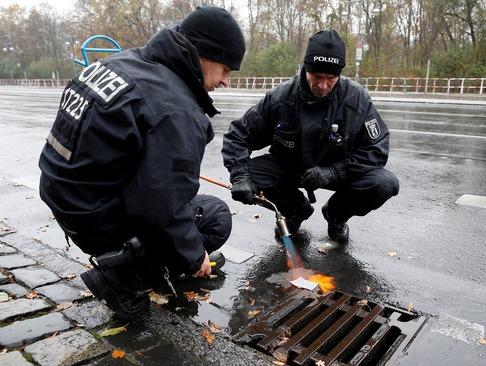 ترتیبات و تدارکات امنیتی نیروهای پلیس آلمان پیش از سفر باراک اوباما به شهر برلین