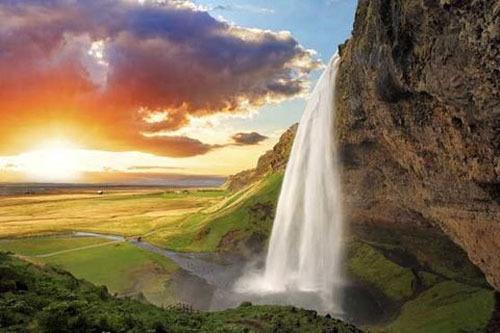 آبشار سلجالان در ایسلند، 200 پا