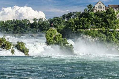 آبشار راین سوئیس 75 پا