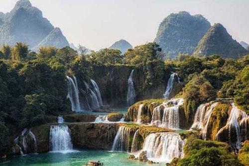 آبشار پلتویس، کرواسی، 255 پا