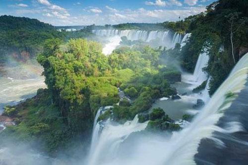 آبشار ایگوآزو، آرژانتین و برزیل، 269 پا