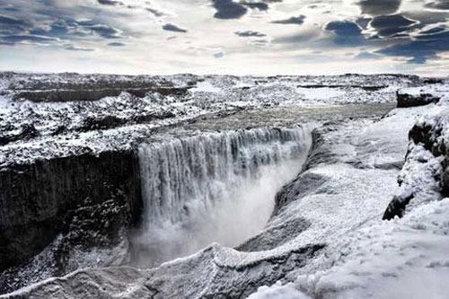 آبشار دتیفوس، ایسلند،144 پا
